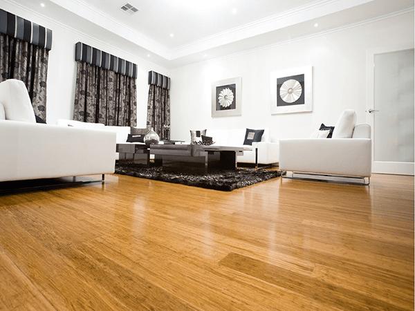 Nhiều gia đình chọn gỗ công nghiệp cho sàn phòng khách