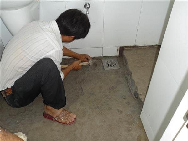 Chống thấm lại khu vực vệ sinh tầng trên