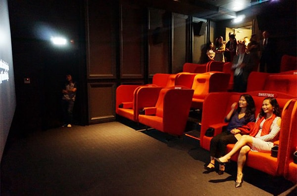 Ghế đôi tình nhân phủ sóng trong tất cả các rạp chiếu phim của CGV