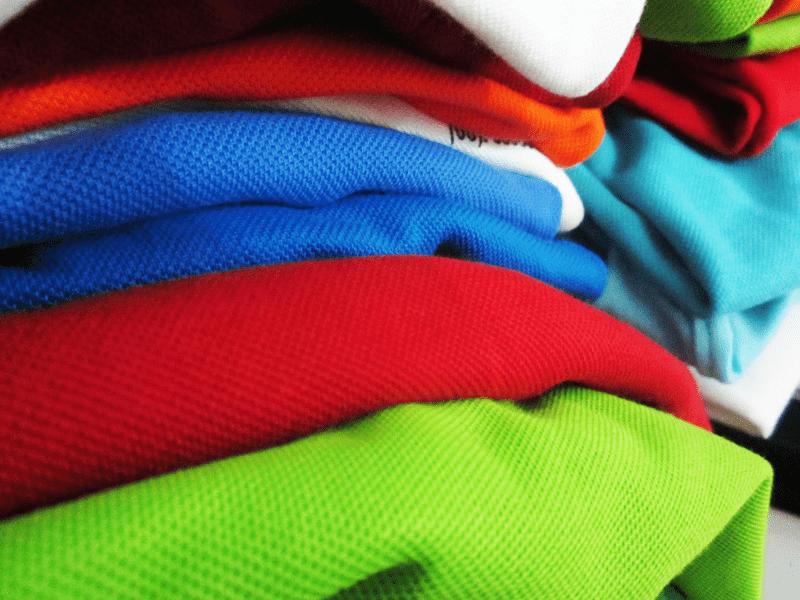 Bộ thi đấu cầu lông nên chọn chất liệu phù hợp với đặc điểm cơ thể