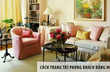Cách trang trí phòng khách bằng hoa tươi đẹp miễn chê