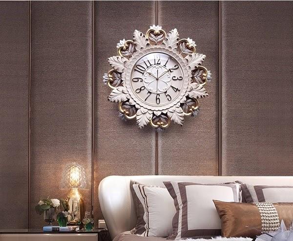 Đồng hồ treo tường hình hoa cung đình
